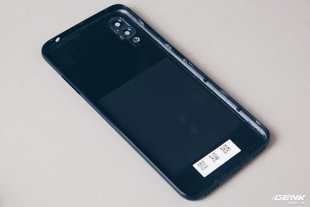 Mổ bụng Vsmart Star: Bên trong smartphone giá rẻ của Vsmart có gì? - Ảnh 2.