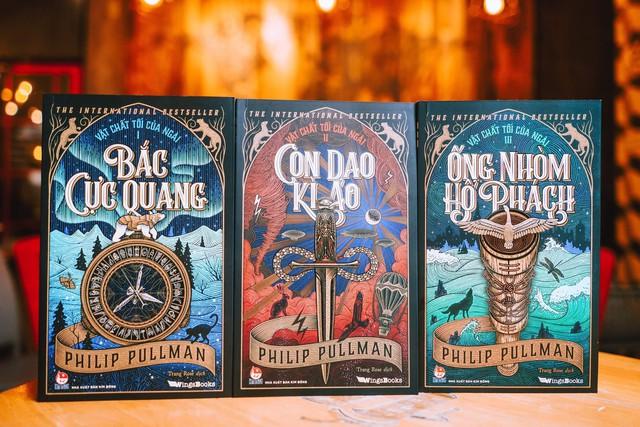 Bộ tiểu thuyết kỳ ảo kinh điển Vật Chất Tối Của Ngài chính thức phát hành tại Việt Nam - Ảnh 1.
