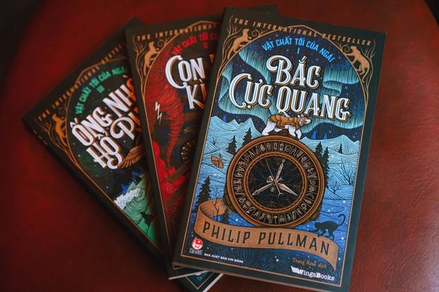 Bộ tiểu thuyết kỳ ảo kinh điển Vật Chất Tối Của Ngài chính thức phát hành tại Việt Nam - Ảnh 4.