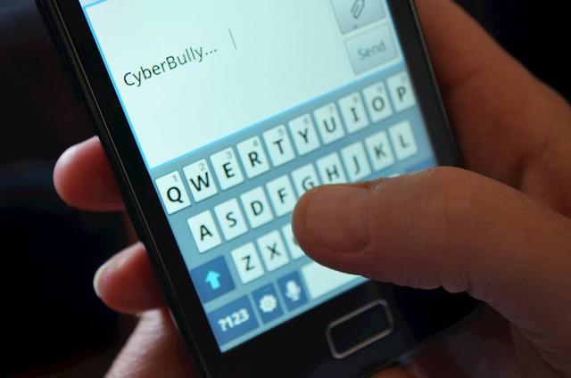 Cậu bé tự sát vì bị bạn phát tán tin nhắn Facebook lên mạng xã hội - Ảnh 1.