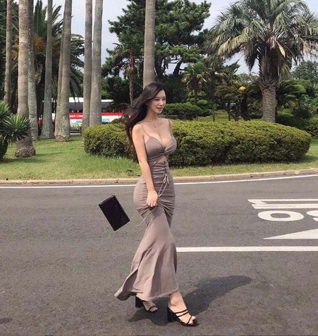 Chiêm ngưỡng nhan sắc hai gái xinh làng mẫu hot nhất Hàn Quốc: Chân dài miên man, vòng một cả mét - Ảnh 13.