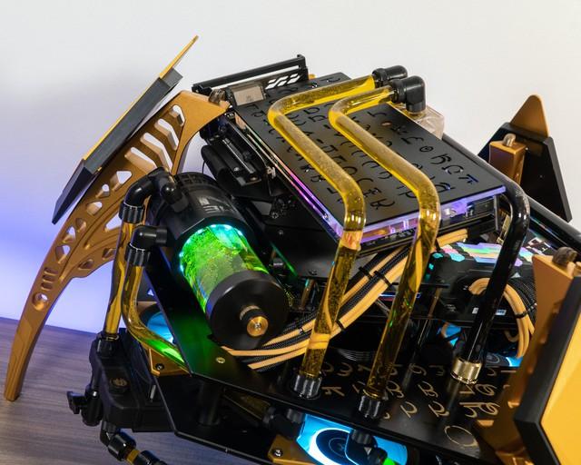 Bộ máy tính trông như quái vật ngoài hành tinh, để ở nhà dọa trẻ con thì hoàn hảo - Ảnh 4.