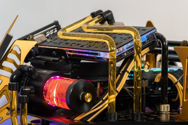 Bộ máy tính trông như quái vật ngoài hành tinh, để ở nhà dọa trẻ con thì hoàn hảo - Ảnh 16.