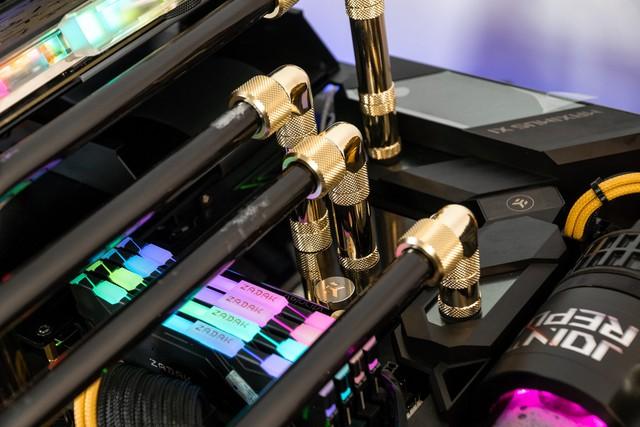 Bộ máy tính trông như quái vật ngoài hành tinh, để ở nhà dọa trẻ con thì hoàn hảo - Ảnh 13.