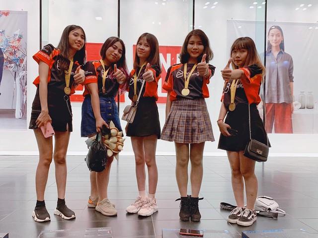 Box Ladies chính thức trở thành Tân Nữ Vương FSL 2019, Việt Nam giữ vững ngôi vị thống trị LMHT Đông Nam Á - Ảnh 3.
