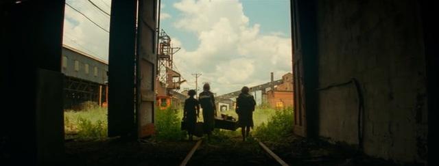 A Quiet Place 2 tung trailer mới: Nguồn gốc của quái vật siêu thính được hé lộ, Trái Đất đối mặt với sức mạnh kinh khủng - Ảnh 3.