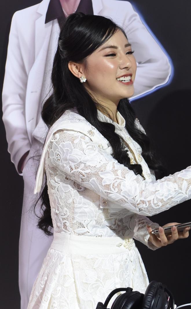 Soi nhan sắc của nữ MC xinh đẹp nhất nhì làng Liên Quân Dsc7704-16118381710691898142892