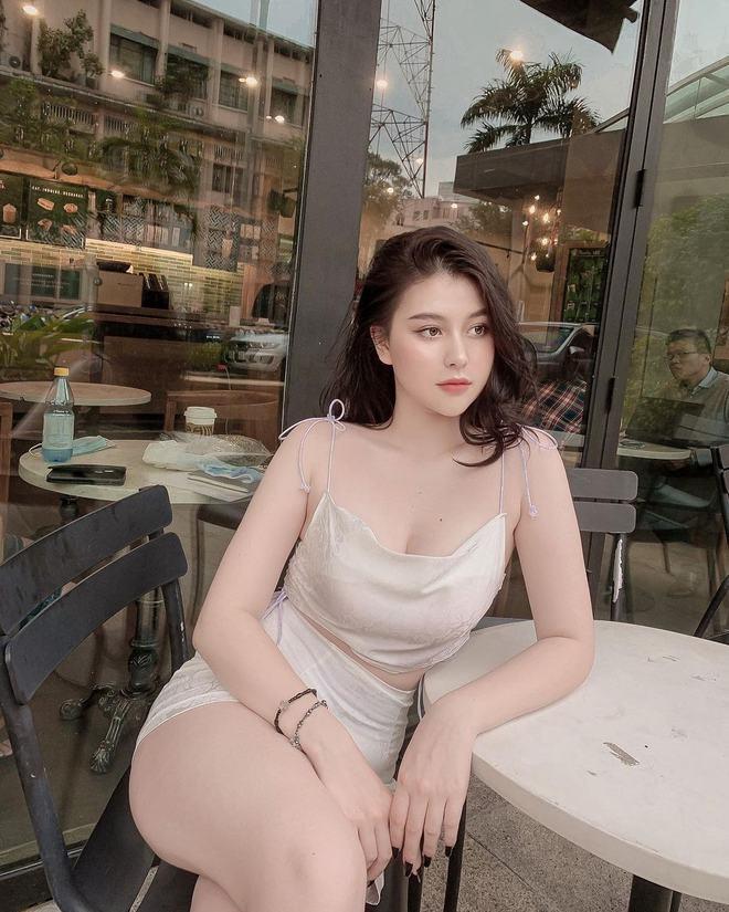 Ngoại hình nóng bỏng sexy của Sunna - bạn thân Xoài Non 1283253491862149664696096697625292711459397o-1611890541761430686030
