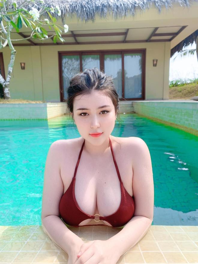 Ngoại hình nóng bỏng sexy của Sunna - bạn thân Xoài Non 1413764732205881396989587810624183420085184o-16118908043361757259114