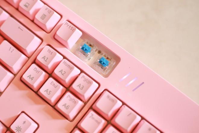 Trên tay bàn phím cơ gaming Ajazz DKM150: Rẻ mà lại gõ ngon, LED RGB sang xịn mịn