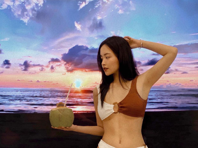 Check-in bikini bên bãi biển vắng 18125556418668775201311744966937957637110555n-1620442231237887144990