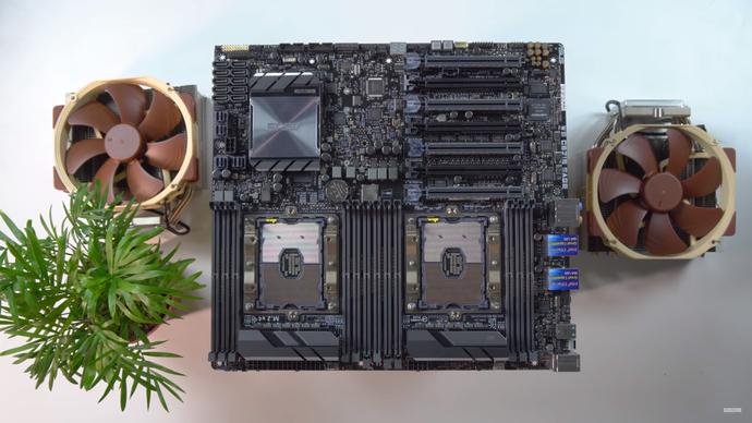 Cận cảnh PC khủng hàng đầu Việt Nam giá 1,8 tỷ đồng, đắt ngang ô tô - Ảnh 3.