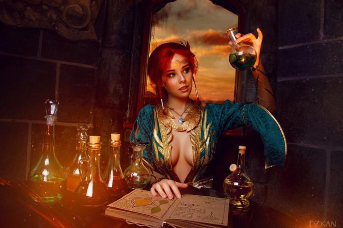Hút hồn với cosplay nàng phù thủy nóng bỏng Triss trong The Witcher 3 - Ảnh 2.