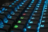 Vì sao các kí tự trên bàn phím máy tính không xếp theo thứ tự ABC như trong bảng chữ cái?