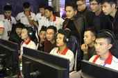 Game thủ AoE Việt: Từ mức lương trên trời của Facebook Gaming đến tương lai mờ mịt?