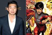 """Bom tấn Marvel """"Shang-chi"""" lộ ảnh hậu trường đầu tiên: Anh hùng châu Á không có siêu năng lực đành bay bằng trực thăng?"""