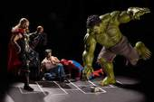 """Cười té ghế khi ngắm bộ ảnh """"Các siêu anh hùng làm gì khi rảnh rỗi?"""""""