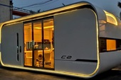 Bên trong căn nhà thông minh dành cho 4 người có thiết kế như tàu vũ trụ