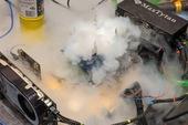 Overclocker chuyên nghiệp Splave phá vỡ kỷ lục với Core i9-10900K 7GHz, vượt mặt cả ASUS dù xài heli lỏng