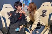 Doinb phát ngôn gây sốc chỉ trích fan hâm mộ, cô vợ Umi phải lên tiếng giải thích mới khiến fan