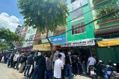 Khai trương Đụt Quán chi nhánh Tp. Hồ Chính Minh, khách đến đông nghịt xếp hàng cả trăm mét