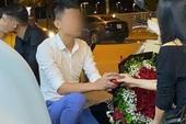Clip: Nam thanh niên quỳ xuống cầu hôn cô gái trên vỉa hè, bị từ chối liền thẳng thừng bỏ lại chiếc nhẫn rồi bước đi khiến cộng đồng mạng xôn xao