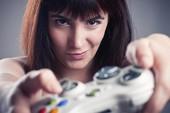 Sự thật: Con gái vượt trội con trai khi lập trình game
