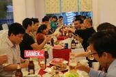 """Đoàn AoE Trung Quốc đã tới thủ đô Hà Nội và đang """"đọ tửu lượng"""" với team Việt Nam"""