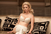9 nữ ác nhân nóng bỏng nhất trên phim điện ảnh Hollywood