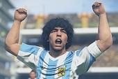 Vừa đòi kiện Konami tháng trước, Maradona nay đã kí hợp đồng với PES