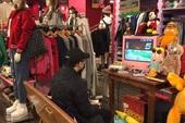 Chỉ với một chiếc máy chơi game, cửa hàng thời trang này khiến hàng triệu nam game thủ cảm thấy ấm lòng