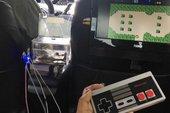 Phát sốt với tài xế Uber lắp hẳn máy chơi điện tử ở ghế sau để phục vụ game thủ chân chính