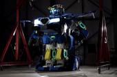 Robot Transformer đã xuất hiện ngoài đời thực: Biến hình thành xe hơi chở được 2 người