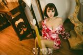Cùng chiêm ngưỡng bộ cosplay bỏng mắt của Zhao Xiaomi - cô nàng người mẫu