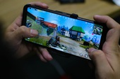Nắn tận tay ROG Phone 2: Smartphone gaming hơn 20 triệu liệu chơi có sướng như lời đồn