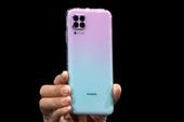 Huawei ra mắt smartphone có mặt trước giống Galaxy S10, mặt sau giống iPhone 11 Pro