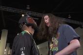 Nhập tâm khi thi đấu Mortal Kombat, hai game thủ suýt thì lao vào combat ngoài đời thật