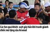 Fan K-Pop và bóng đá liên tục công kích nhau