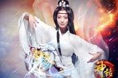 Nữ diễn viên gạo cội Hàn Quốc Kim Hee Sun cosplay Thần Thoại Online