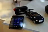 Biến iPhone thành điều khiển ô tô và trực thăng