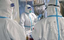 Những bác sĩ Vũ Hán tận tâm: đeo bỉm cả ngày để tránh phải đi vệ sinh, bác sĩ phẫu thuật chỉnh hình có khả năng cũng tham gia chữa bệnh phổi