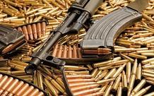 """Tại sao súng trong game và ngoài đời đa phần chỉ có 30 viên đạn? Vì đạn càng nhiều, nguy cơ """"nằm xuống"""" của người bắn càng cao?"""