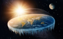 Các nhà lý thuyết Trái Đất phẳng bị bắt sau khi cố gắng chèo thuyền đến
