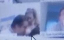 Nghị sĩ Argentina hồn nhiên hôn ngực bạn gái khi đang họp Quốc hội trên Zoom