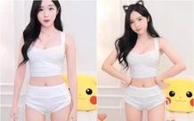 Bị nhận xét là mặc quần như đang quấn tã, nữ streamer phẫn nộ, tranh cãi với fan rồi thay đồ ngay trên sóng