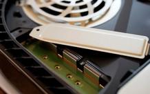 Sony cuối cùng cũng cho phép gắn thêm SSD vào PS5 để cứu anh em khỏi