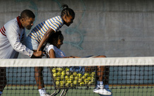 Will Smith vào vai cha của hai huyền thoại quần vợt thế giới trong bộ phim truyền cảm hứng nhất năm