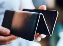 Samsung Galaxy Z lộ poster quảng cáo với thiết kế gập 3 lần, trông giống như đàn Accordion