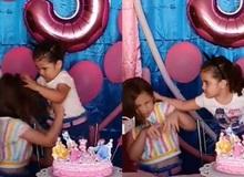 Choảng nhau vì tranh thổi nến sinh nhật, 2 chị em được mời lên TV thổi 500 cây hàn gắn tình cảm nhưng vẫn thất bại