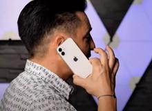 """Xuất hiện video trên tay sớm iPhone 12 mini: """"Nhỏ nhỏ xinh xinh vừa đủ xài"""""""